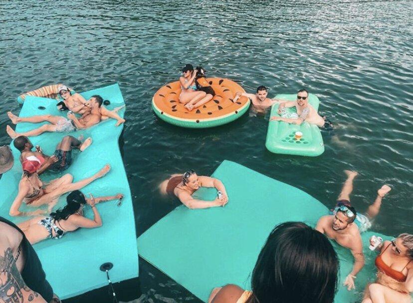 pontoon cruise party